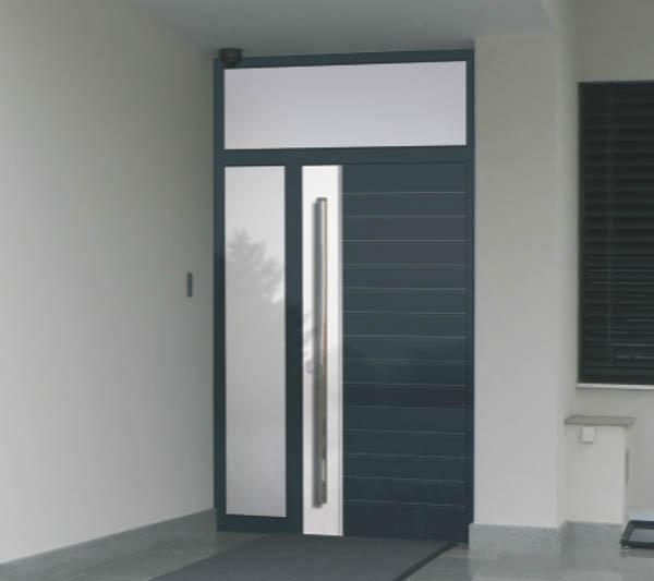 ALU vhodna vrata z nadsvetlobo in obsvetlobo.